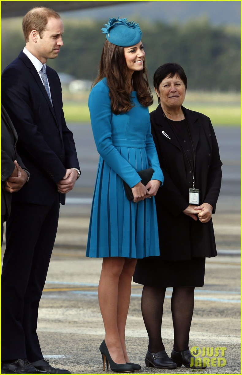 kate middleton matching dress hat best looks 09