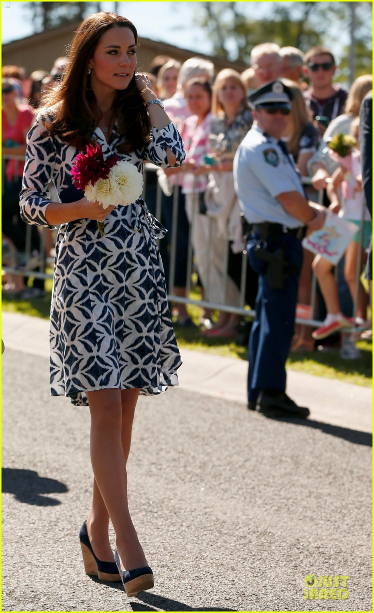 kate middleton prince william plant tree in australia 033093682