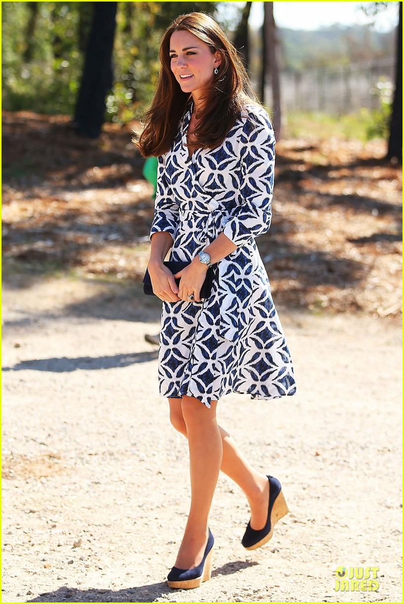 kate middleton prince william plant tree in australia 063093685
