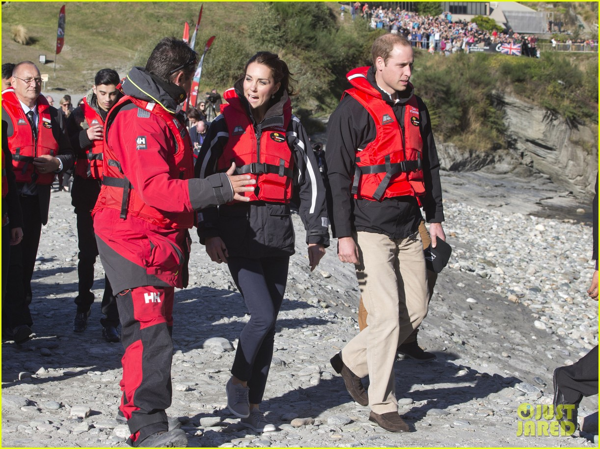 kate middleton prince william speed boat ride 233090409