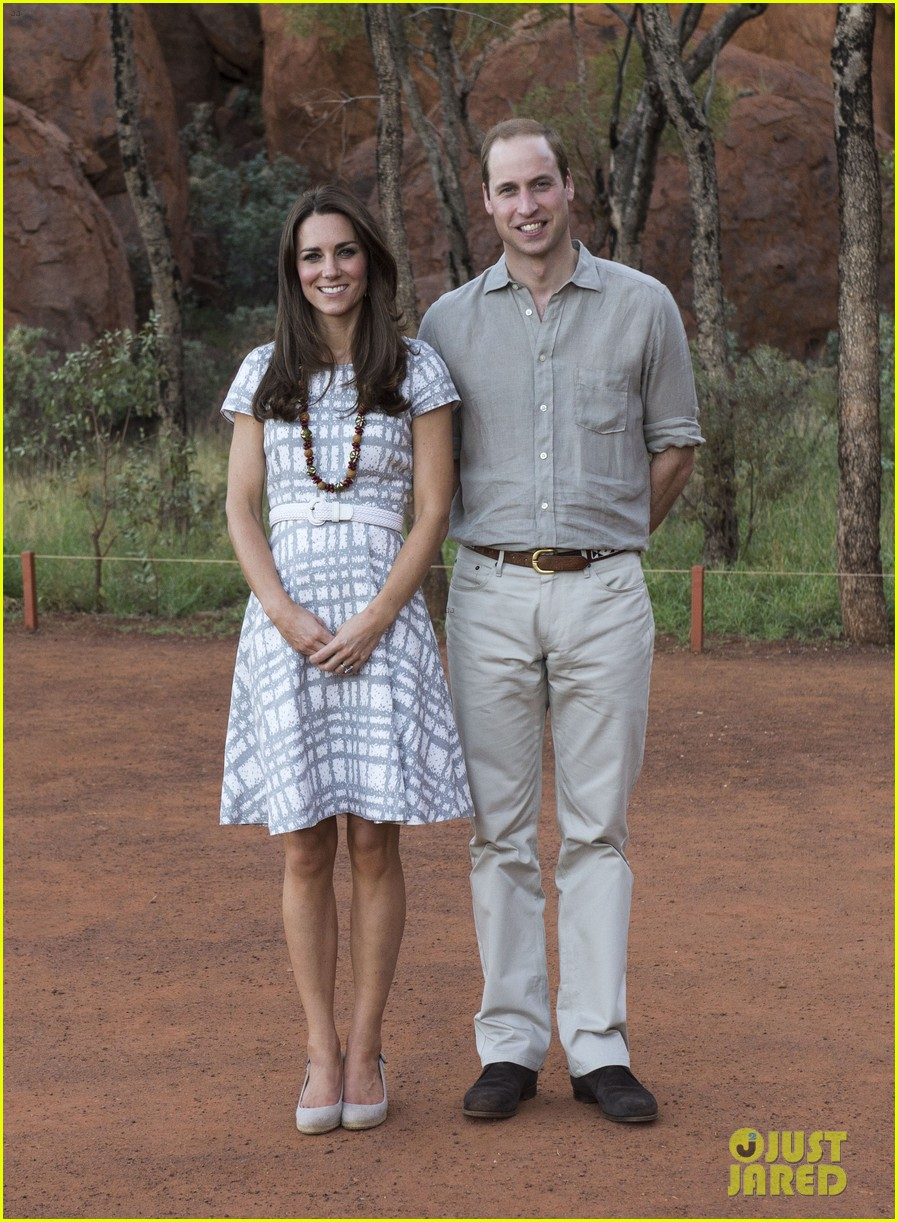 kate middleton dazzles in two dresses during visit to uluru with prince george 02