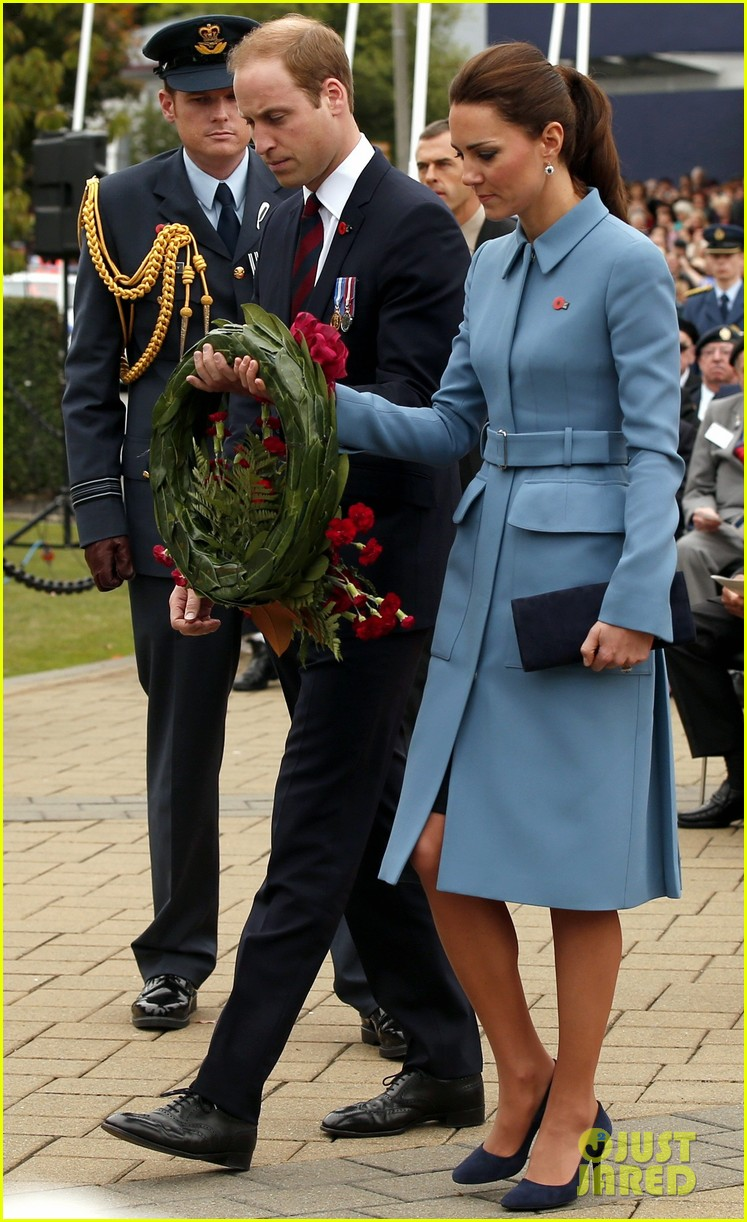 kate middleton prince william war memorial ceremony 013087957