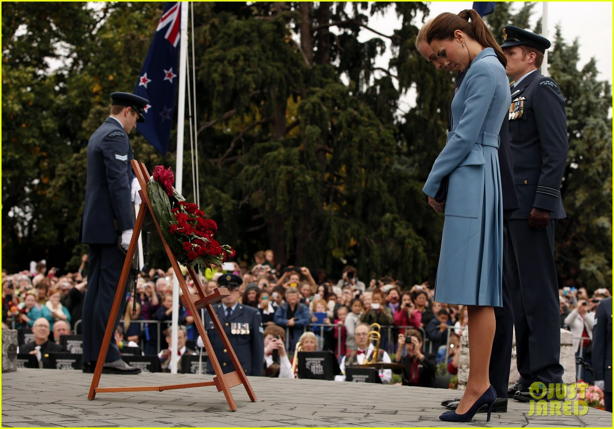 kate middleton prince william war memorial ceremony 063087962