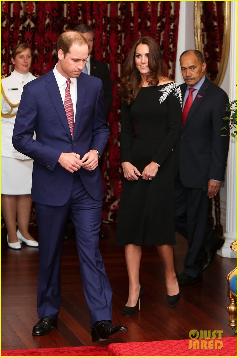 kate middleton prince william send thanks to new zealand for welcoming them bonny lad 01