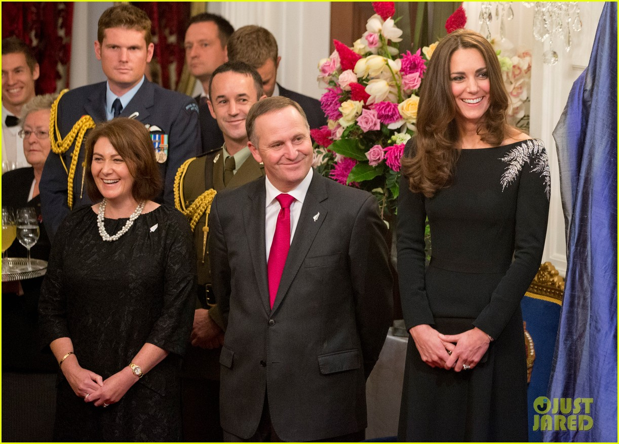 kate middleton prince william send thanks to new zealand for welcoming them bonny lad 093088304