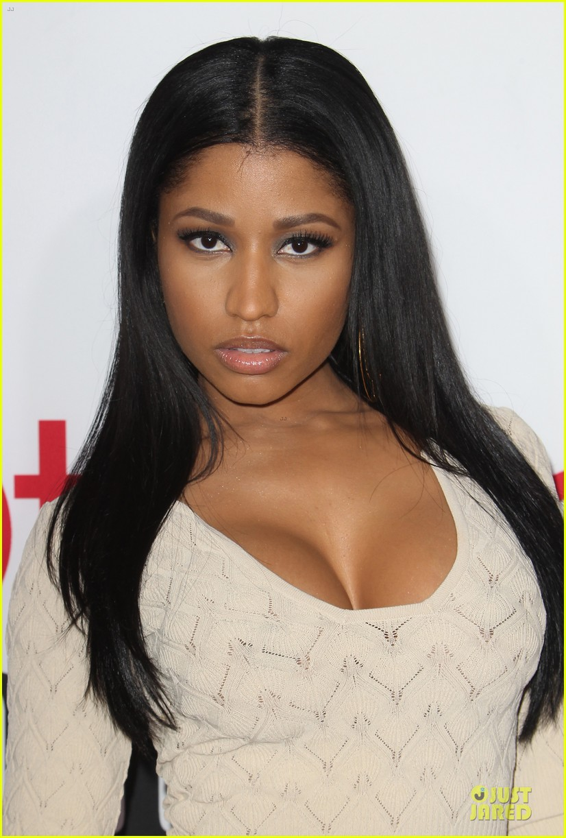 nicky minaj bootylicious at the other woman premiere 02