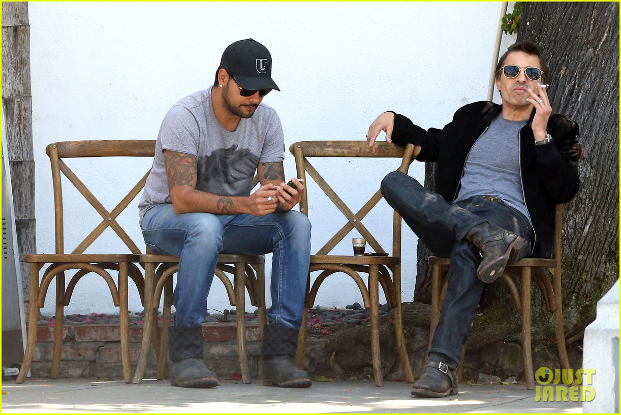 olivier martinez gets in some guy time with eduardo cruz 113093339