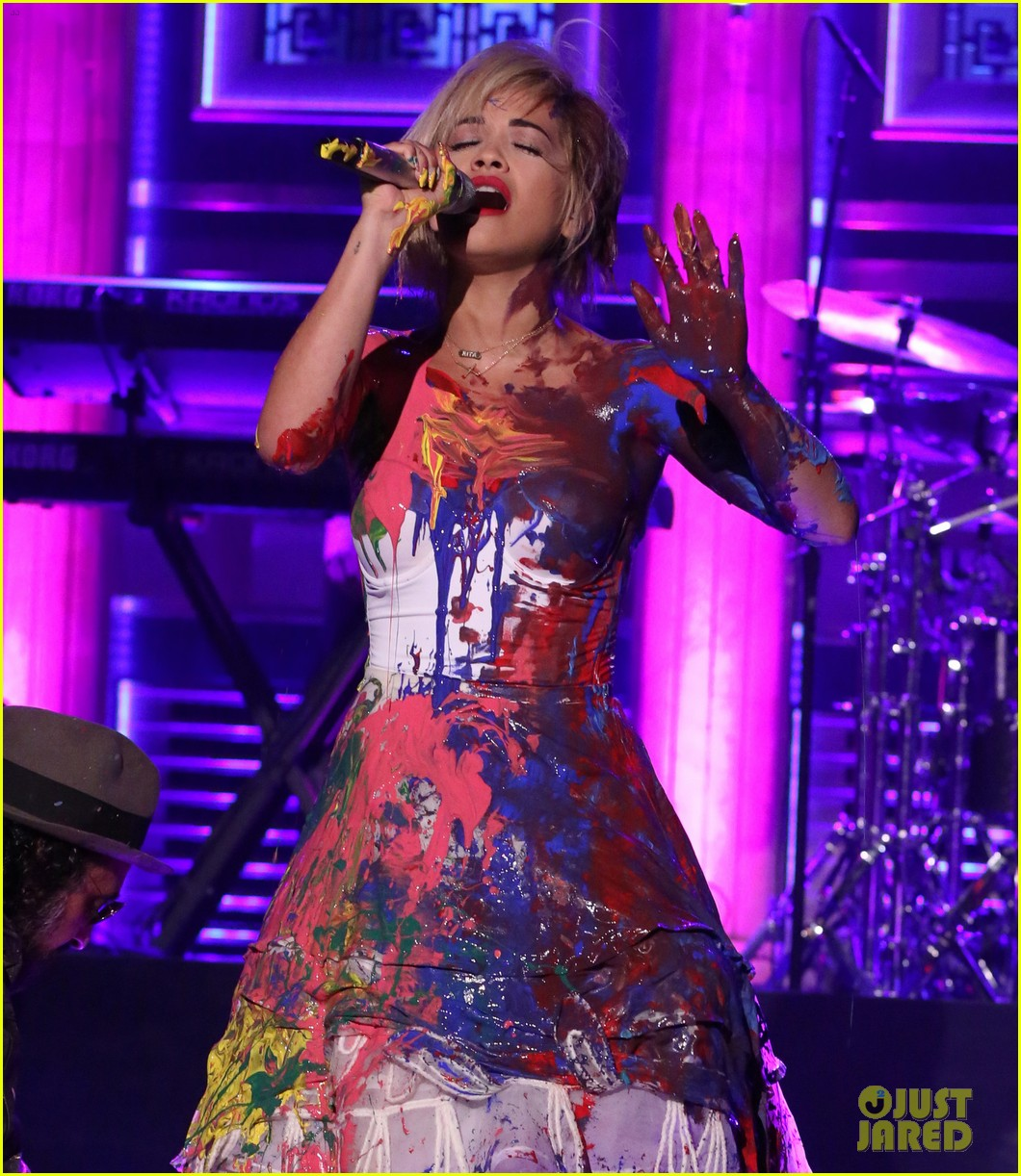 rita ora has paint party for i will never let you down performance on tonight show 093097390
