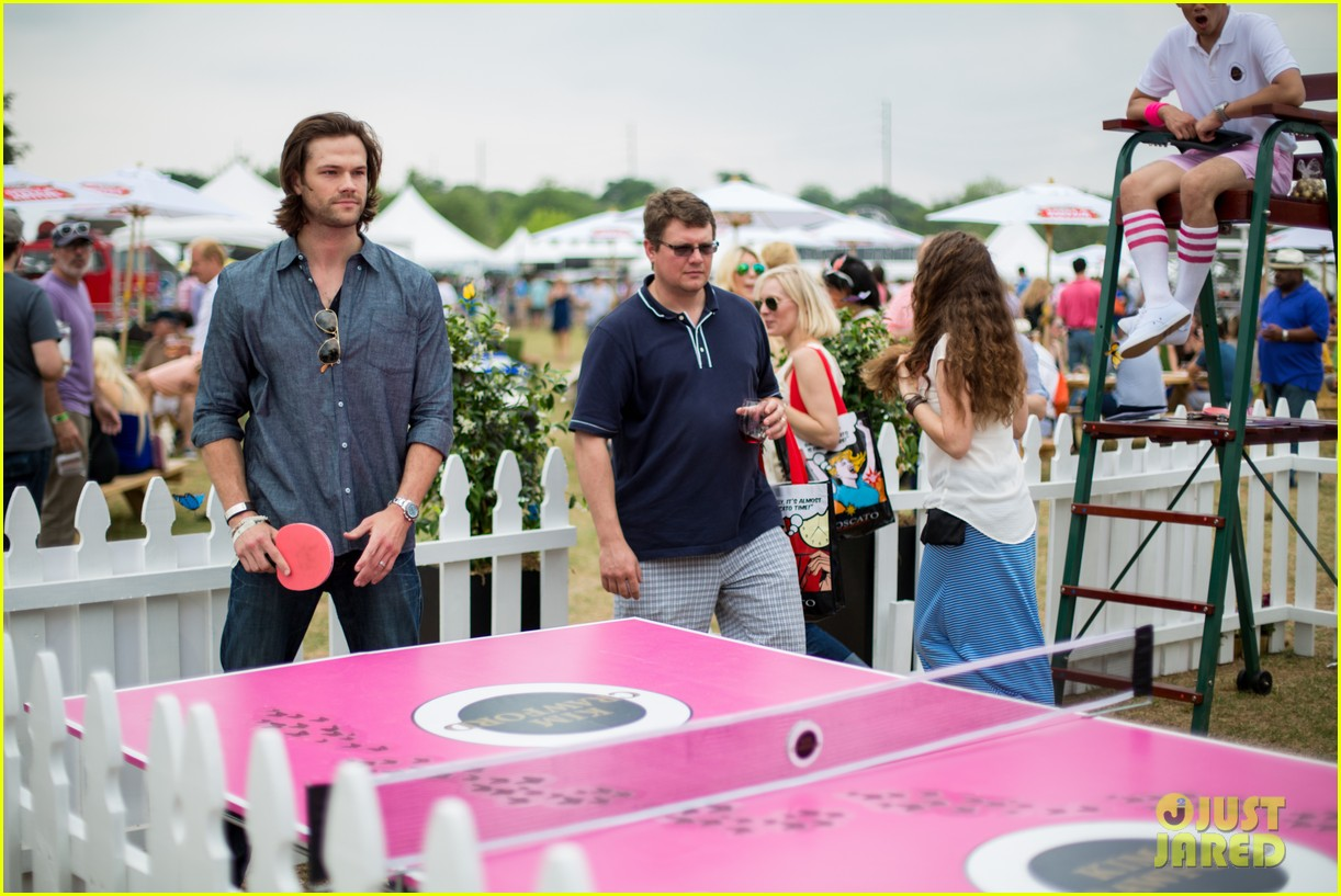 jared padalecki wife genevieve picture perfect couple austin food festival 023100566
