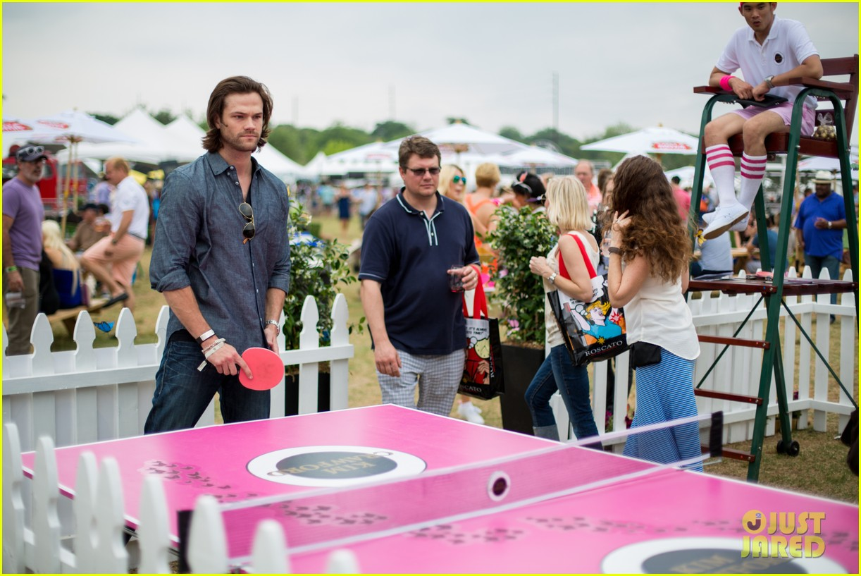 jared padalecki wife genevieve picture perfect couple austin food festival 06