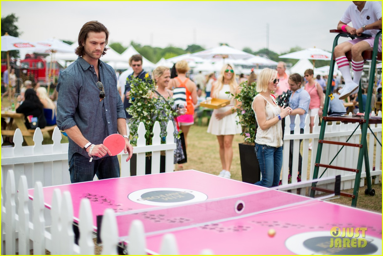 jared padalecki wife genevieve picture perfect couple austin food festival 073100571