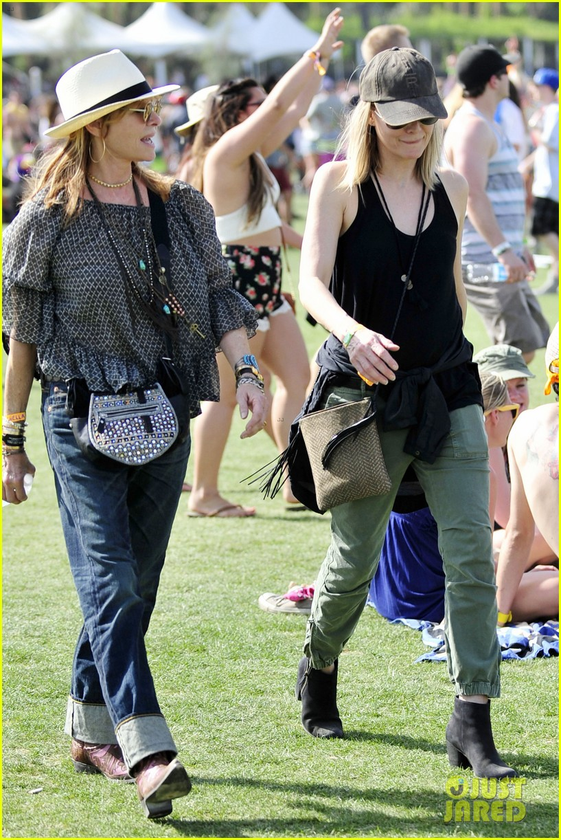 michelle pfeiffer melanie griffith moms coachella 14