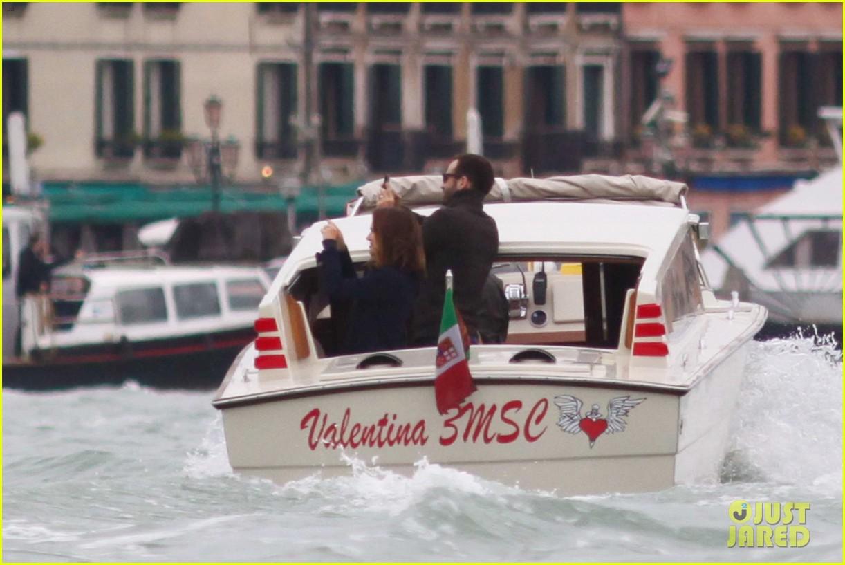 natalie portman benjamin millepied romantic vacation venice 113090808