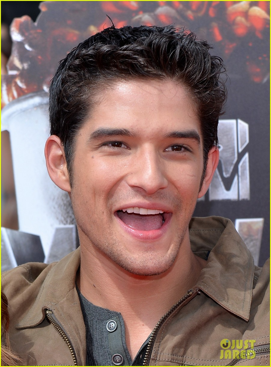 tyler posey seana gorlick mtv movie awards 2014 02