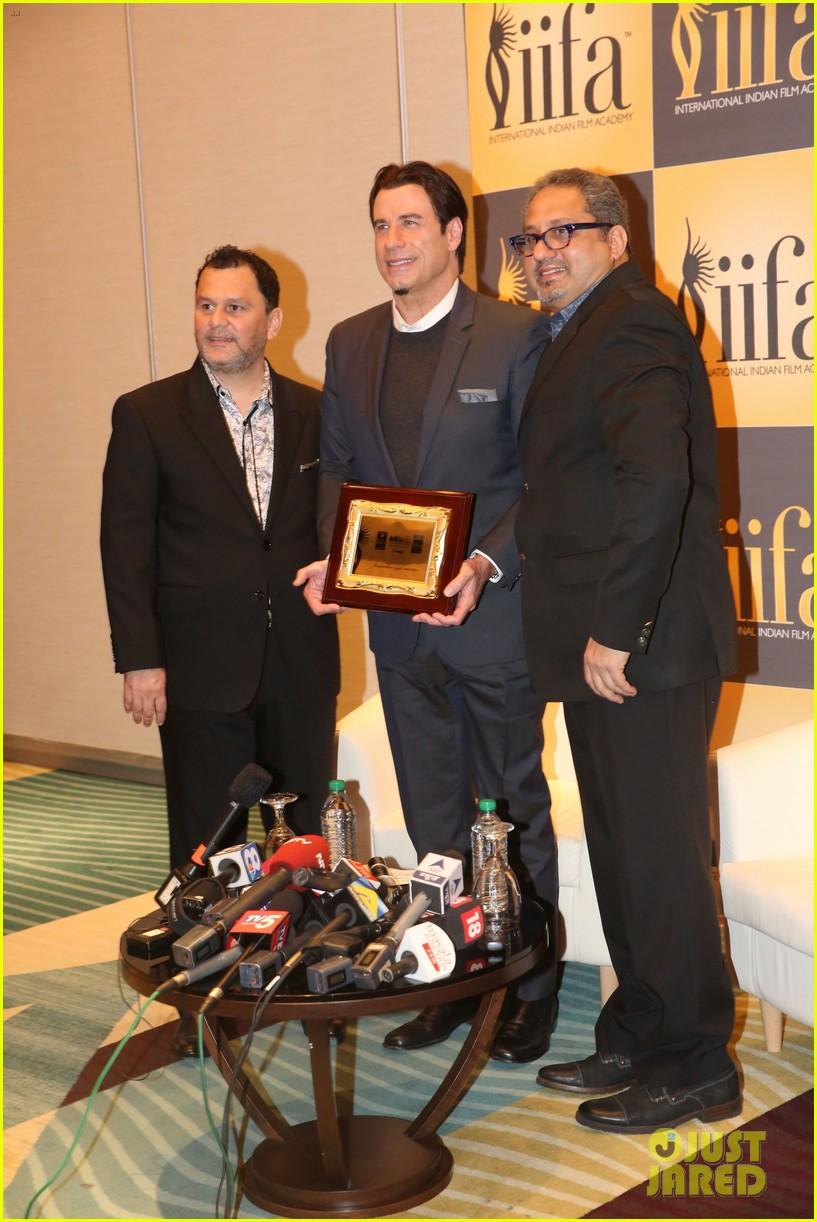 priyanka chopra kevin spacey iifa awards john travolta 11