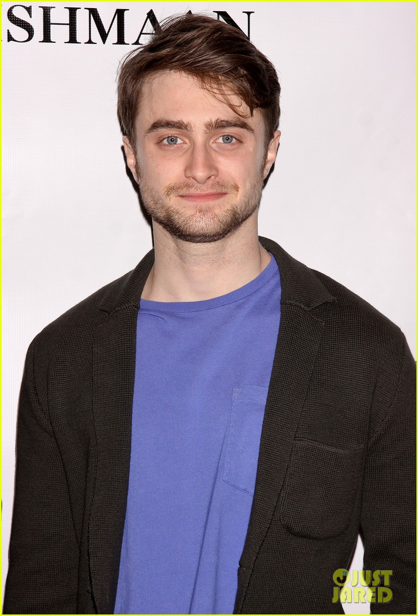 daniel radcliffe return to the stage draws closer we cant wait 093083354