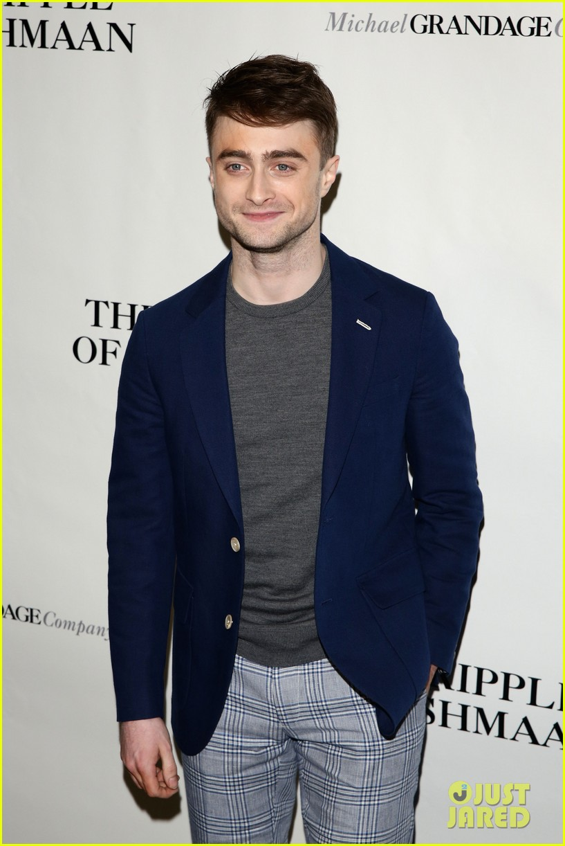 daniel radcliffe receives rave reviews in cripple of inishmaan 08