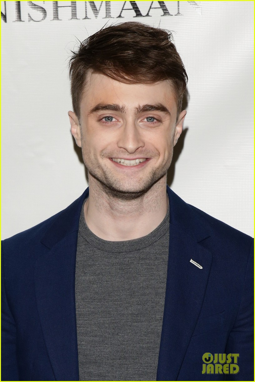 daniel radcliffe receives rave reviews in cripple of inishmaan 11