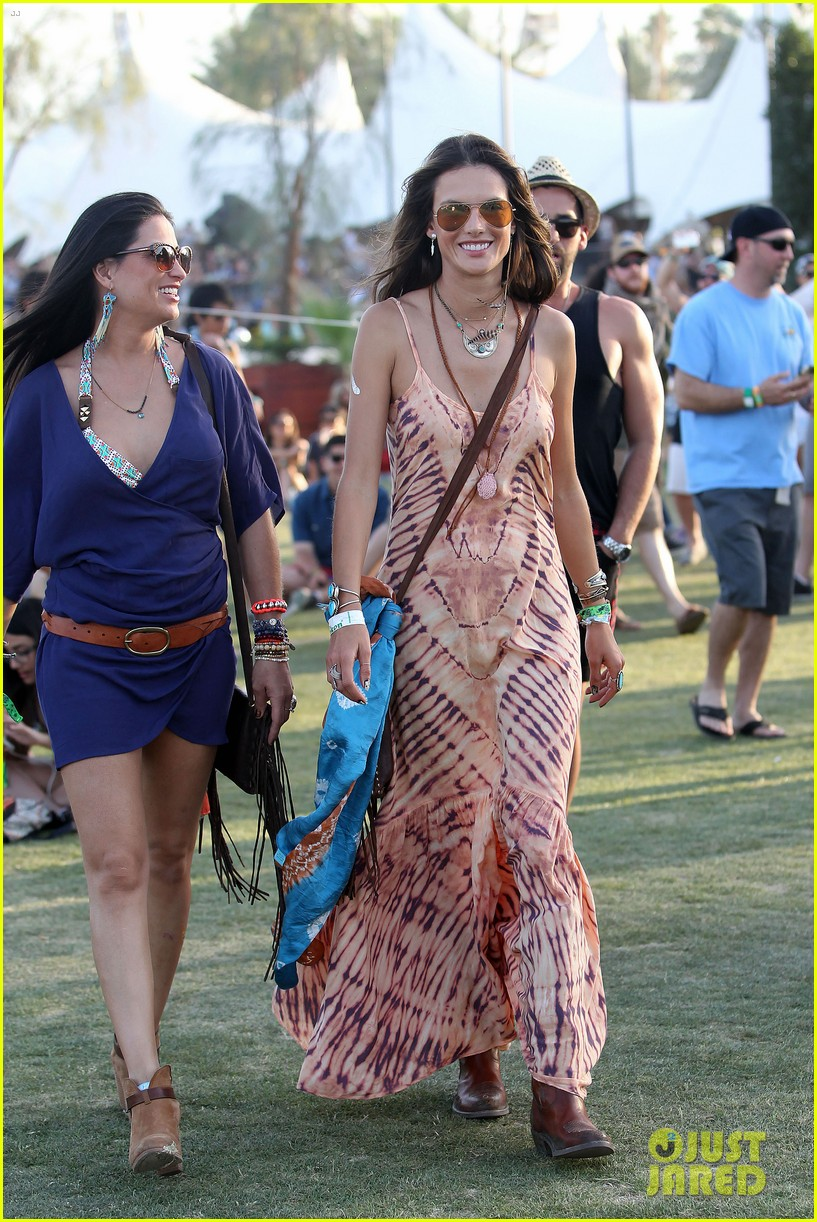 rosie huntington whiteley alessandra ambrosio coachella day three 103092095