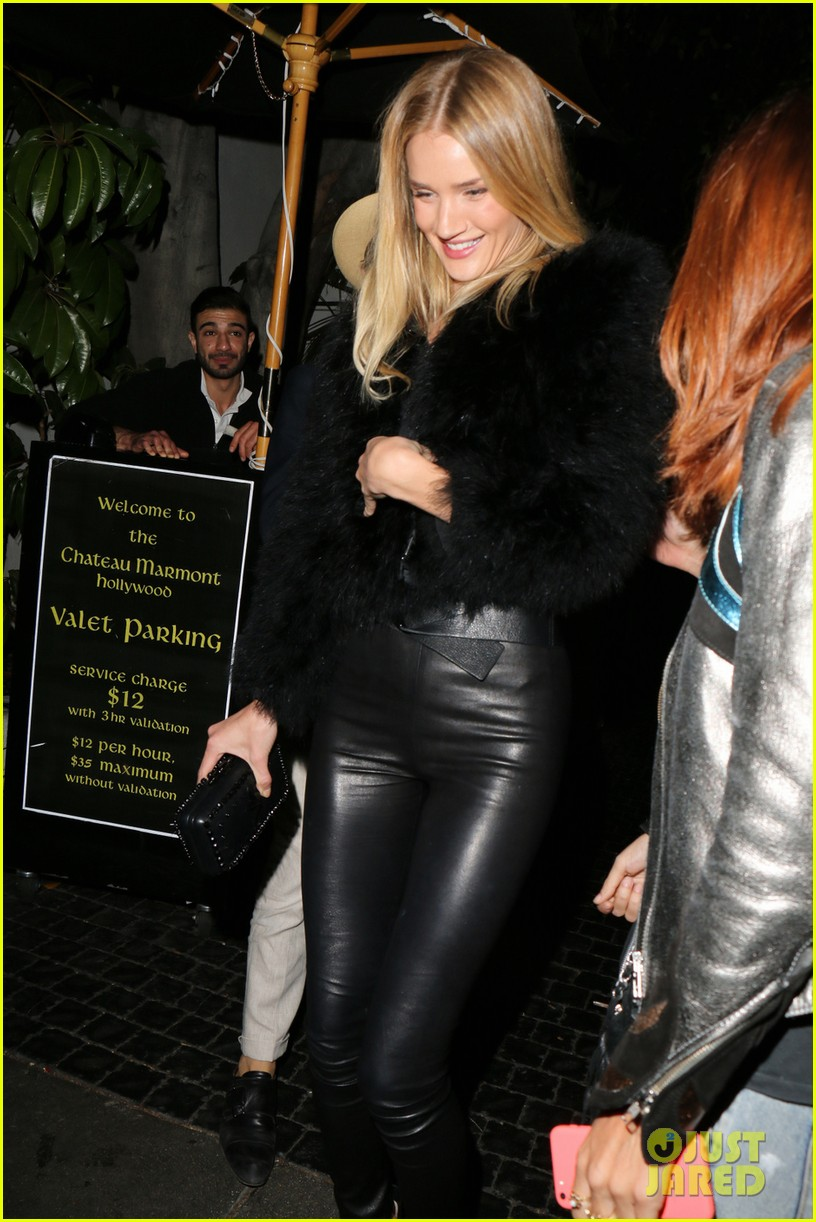 rosie huntington whiteley is all wrapped up in a male pal 01