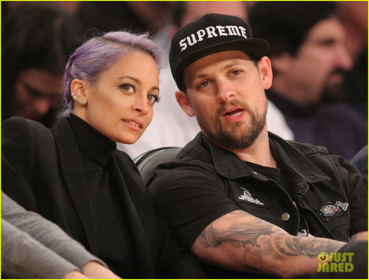 nicole richie lands reality television deal with vh1 01