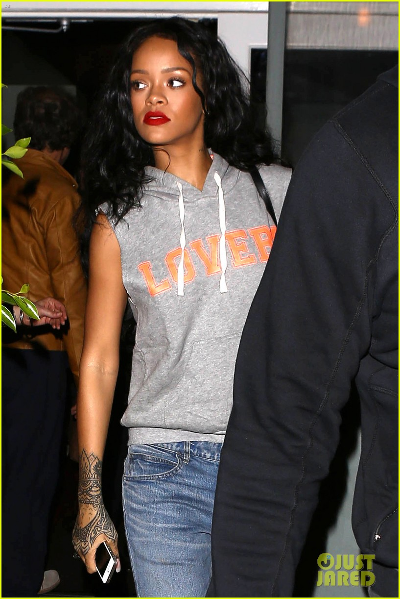 rihanna settles lawsuit with ex accountants 123094259