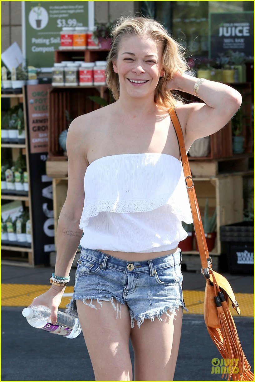 leann rimes daisy dukes get us excited for summer 06