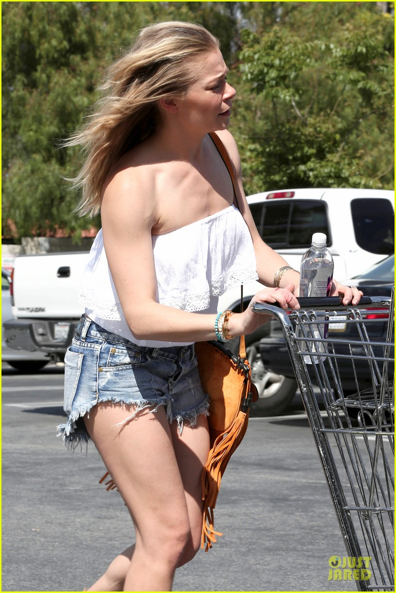 leann rimes daisy dukes get us excited for summer 20