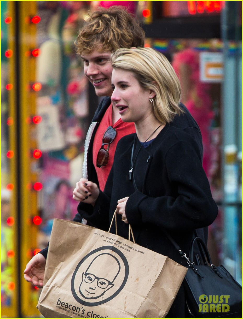 emma roberts evan peters look so in love in new york city 043097998