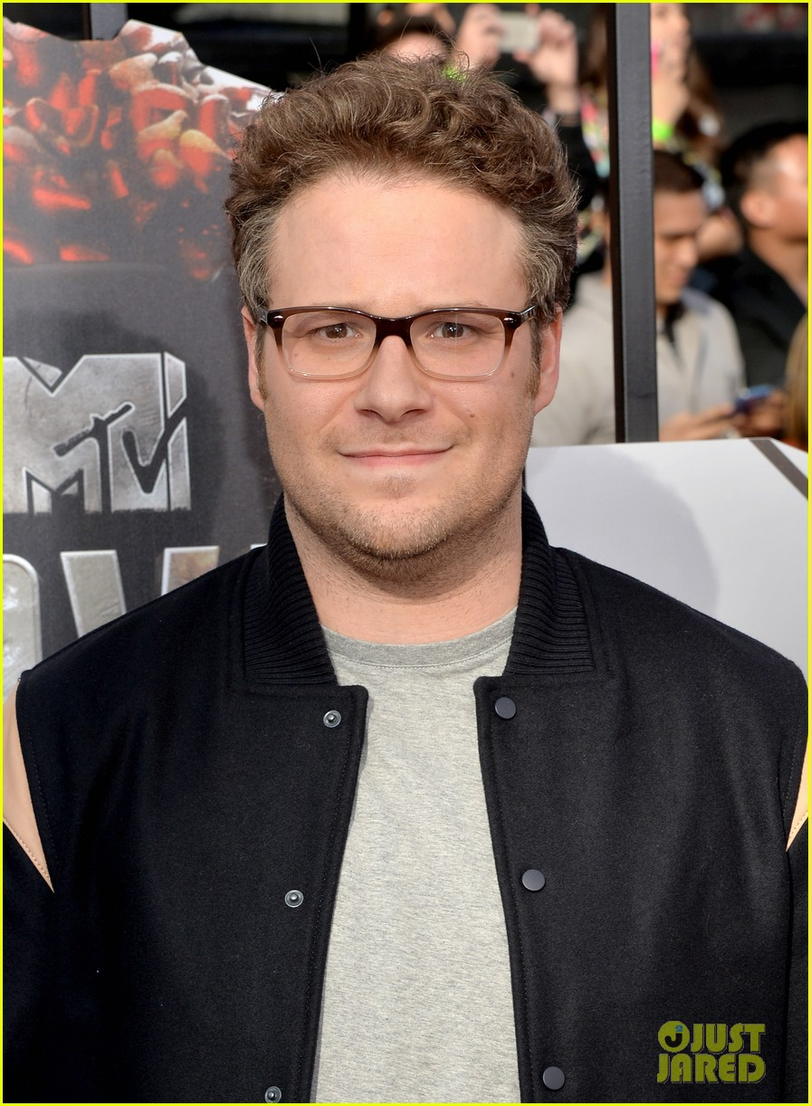 dave franco seth rogen are two neighbors on red carpet at mtv music awards 2014 043091214