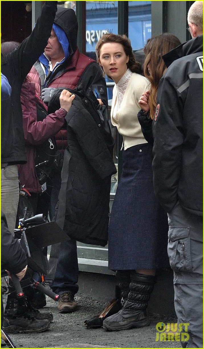 saoirse ronan begins filming brooklyn in ireland 14