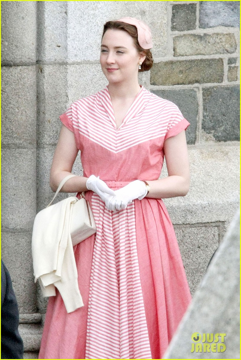 saoirse ronan fifties costumes look so vintage chic 033088369