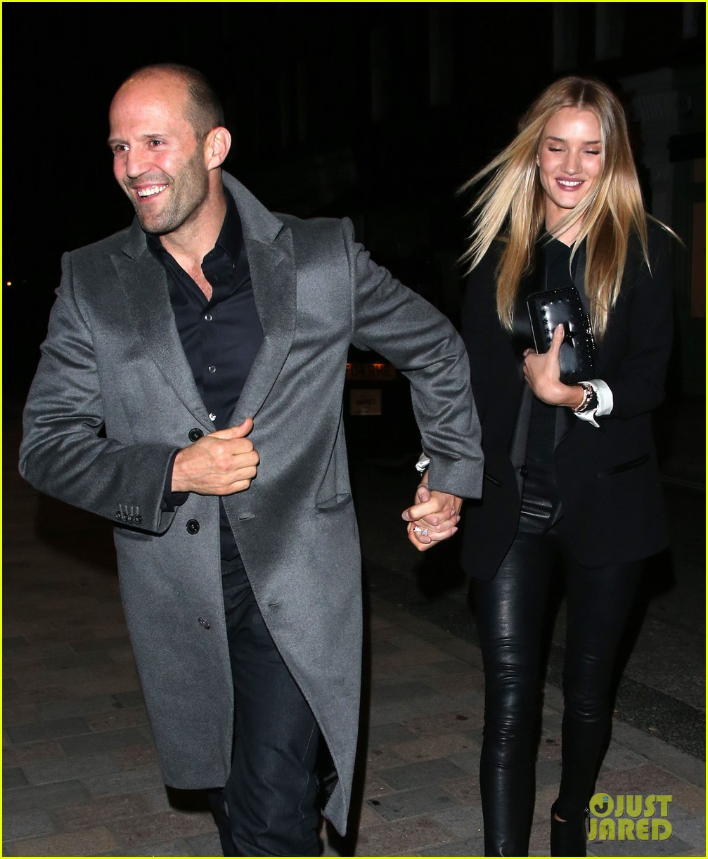 rosie huntington whiteley jason statham london backseat smooches 19