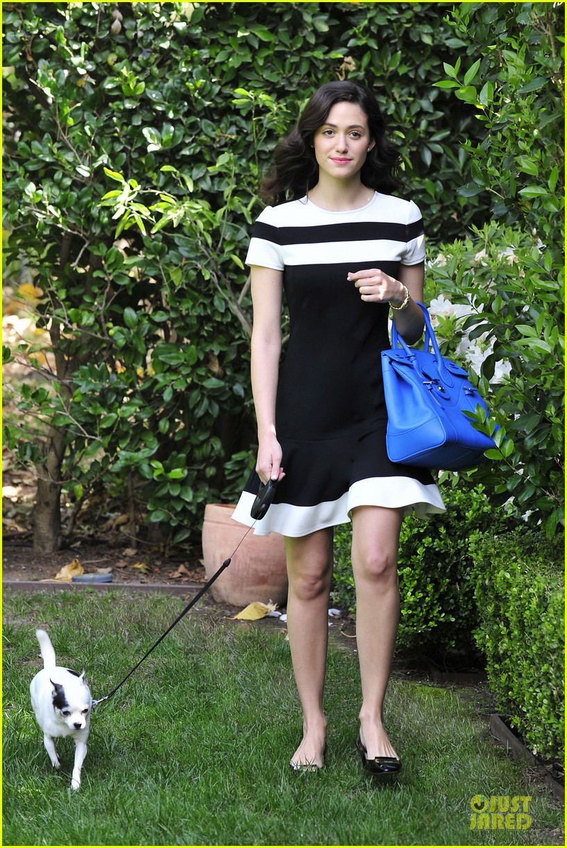 emmy rossum beautiful brainy book worm 04