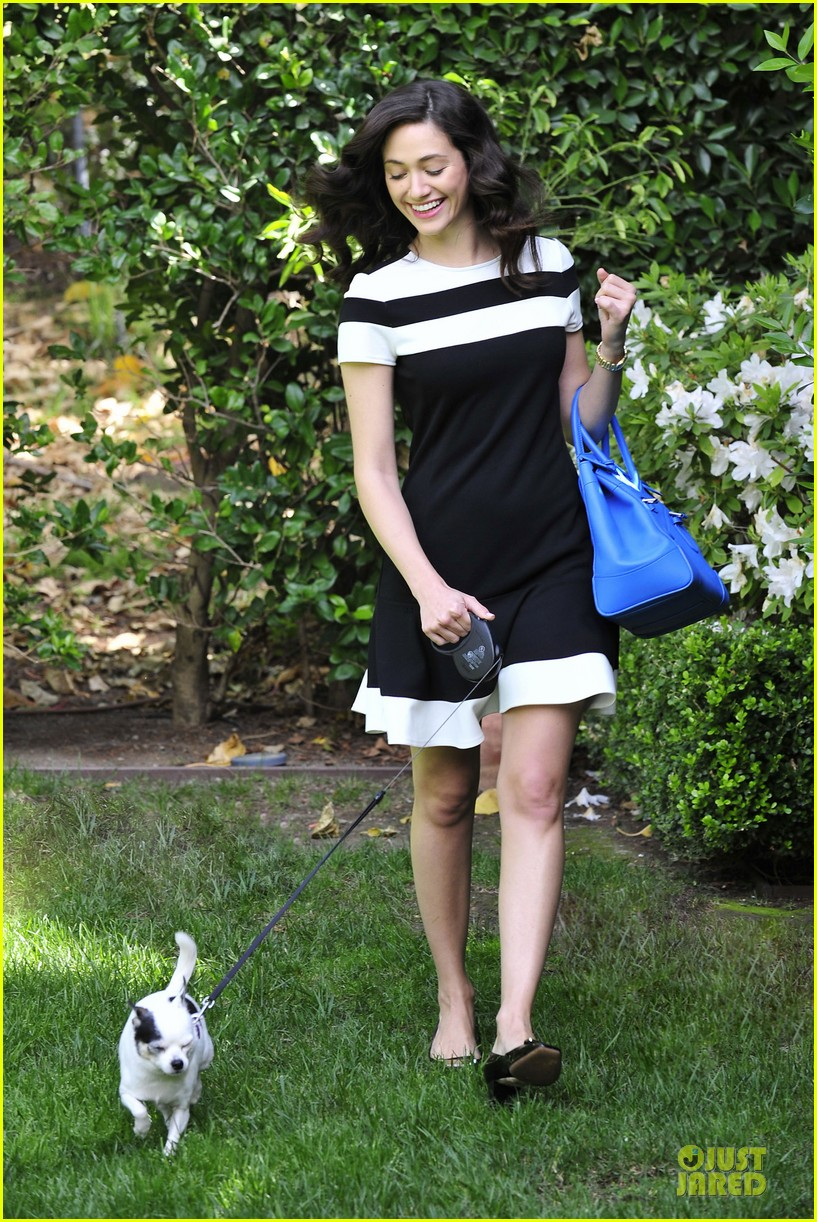 emmy rossum beautiful brainy book worm 05