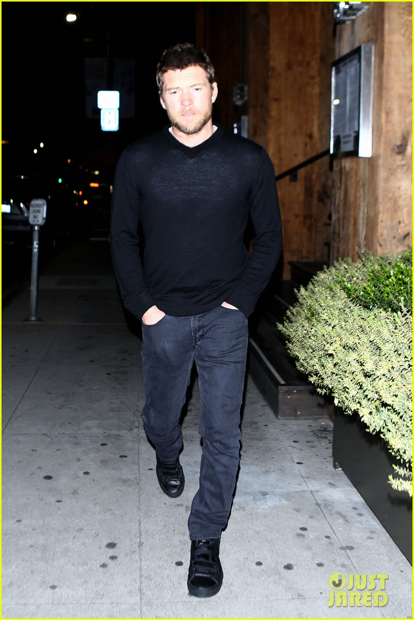 sam worthington lands next new movie role in jennifer anistons cake 07