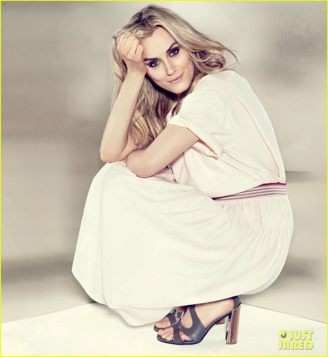 taylor schilling boston common magazine spring 2014 01