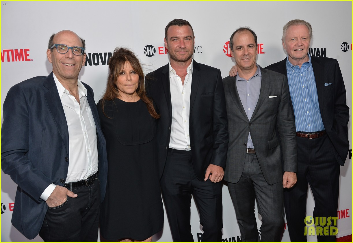 liev schreiber reunites with ray donovan cast at exclusive screening 013101488