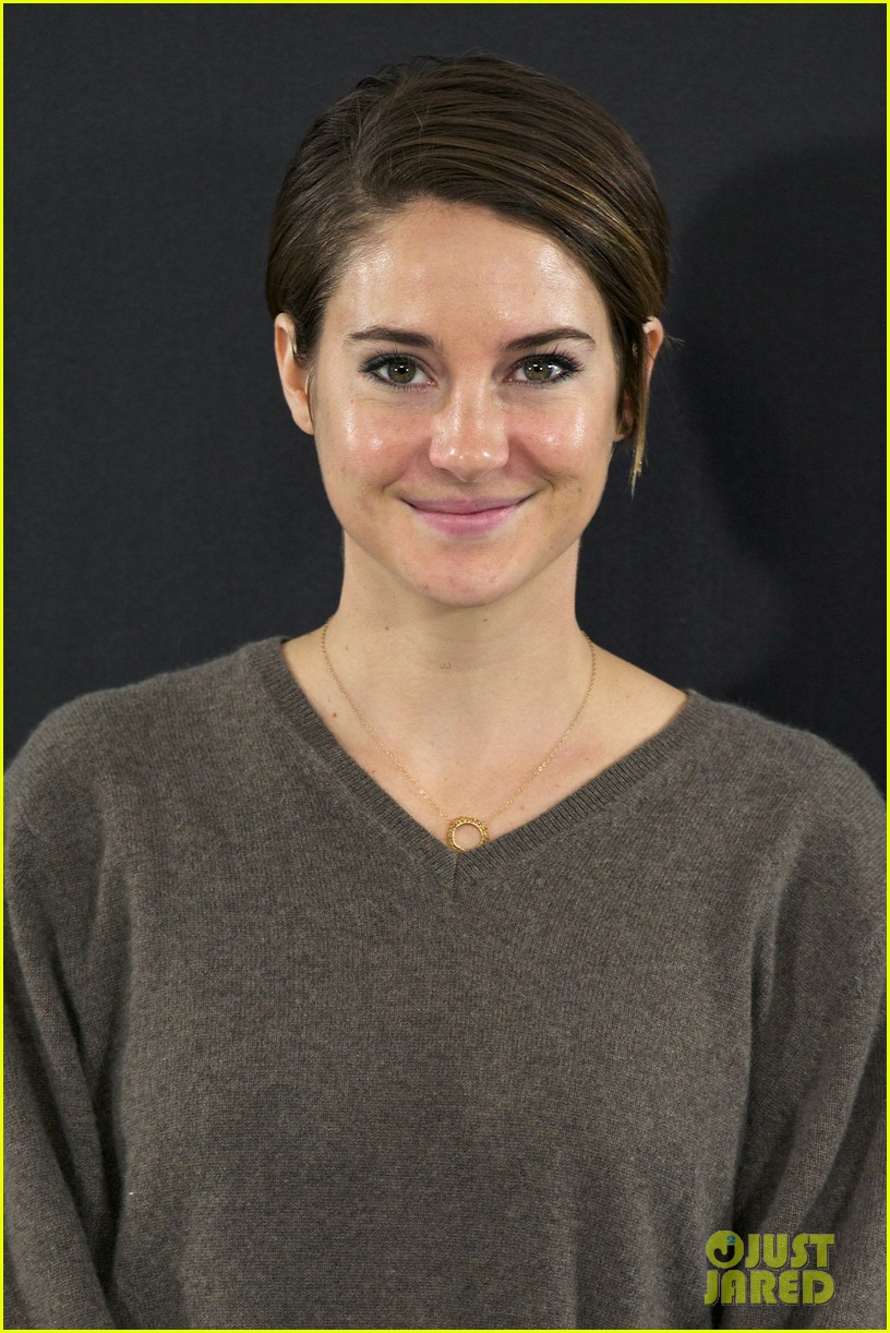 shailene woodley theo james explain that divergent is nothing like hunger games 03