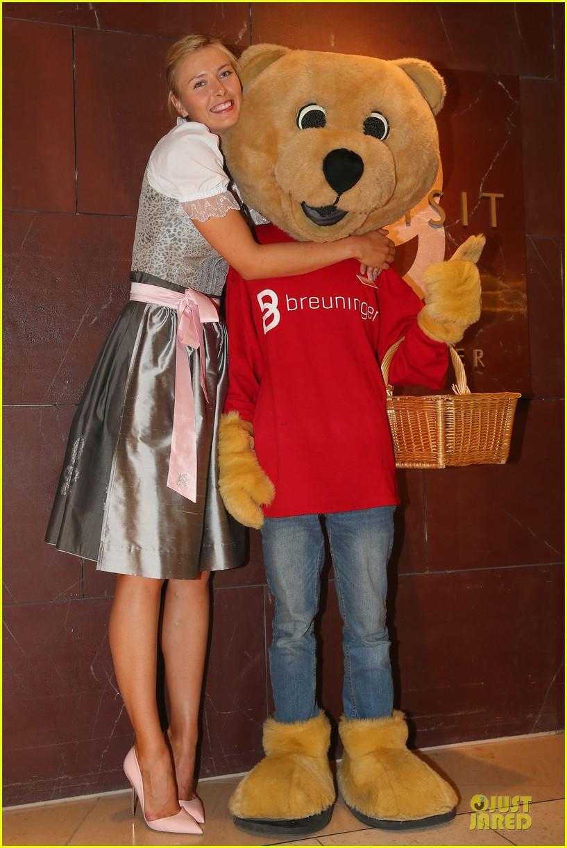 maria sharapova celebrates 27th birthday 053095231
