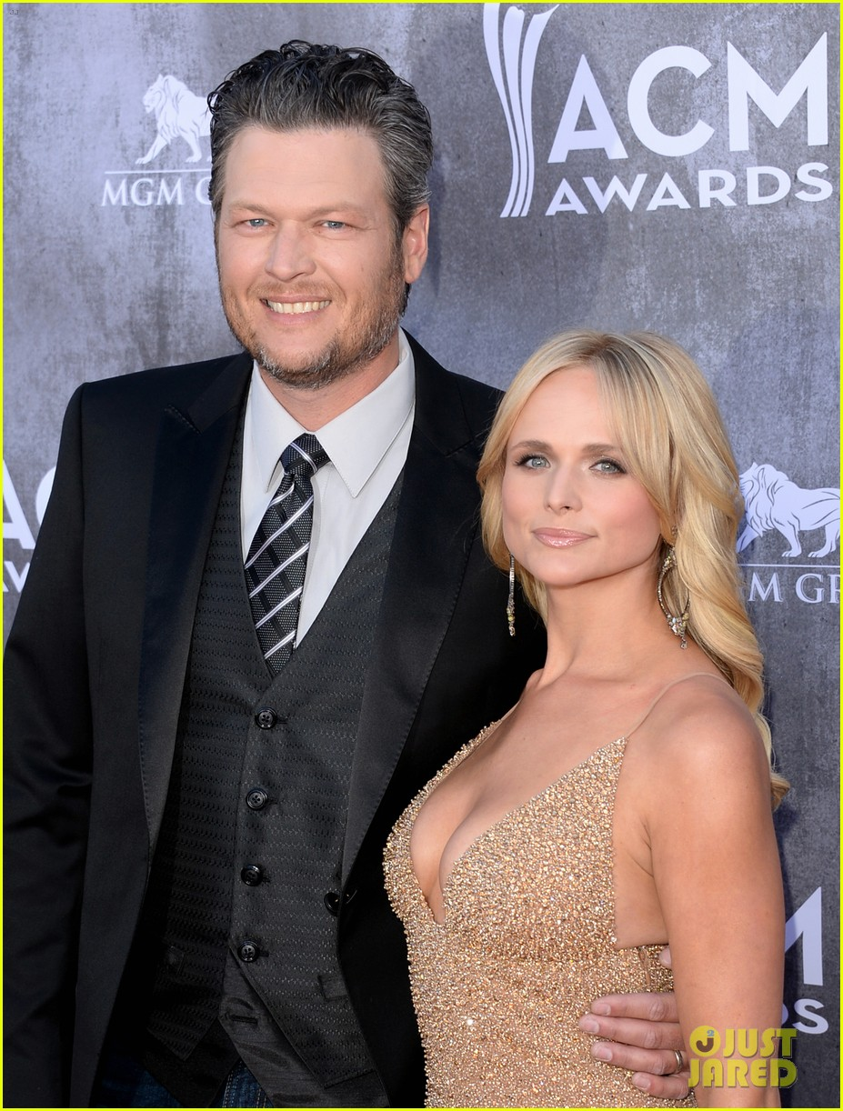 blake shelton miranda lambert acm awards 2014 red carpet 02