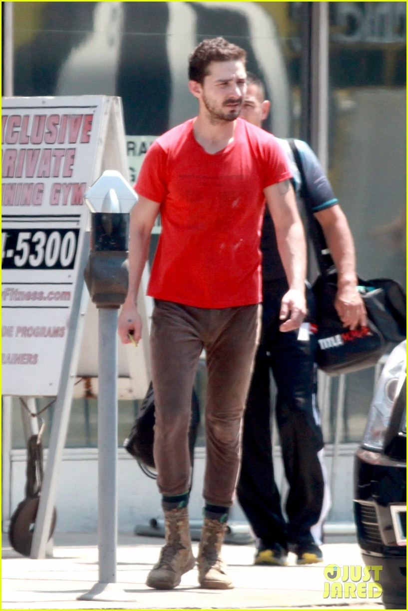 shia labeouf wears one of his favorite outfits for gym workout 09