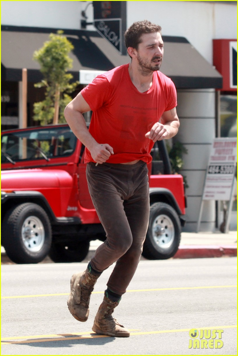 shia labeouf wears one of his favorite outfits for gym workout 12