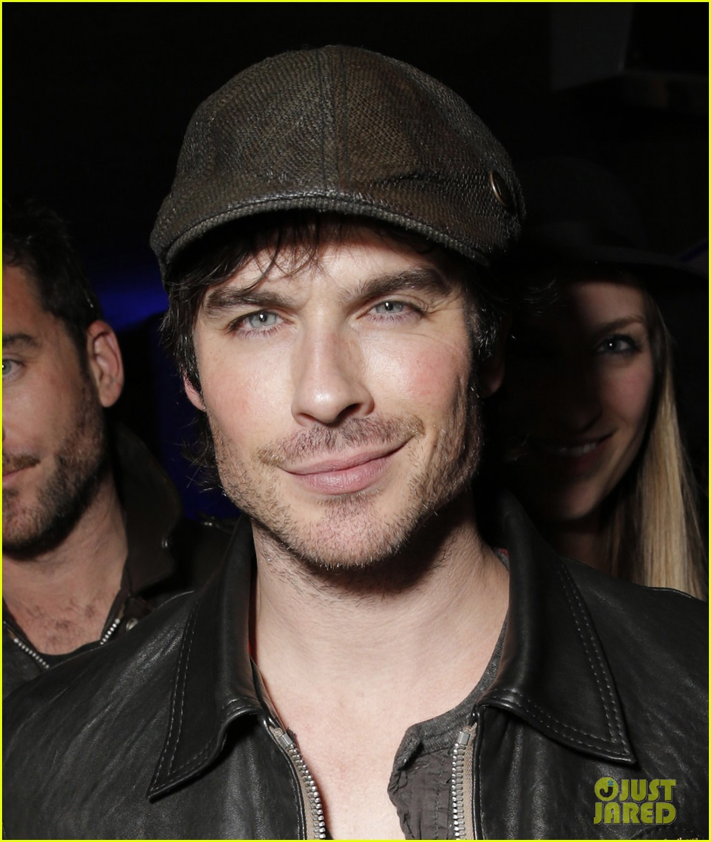 ian somerhalder makes out with a painting 02