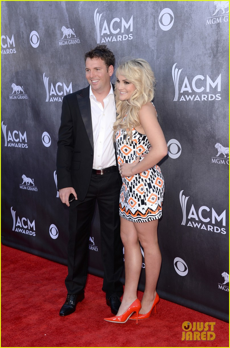 jamie lynn spears new hubby jamie watson are picture perfect at acm awards 2014 03