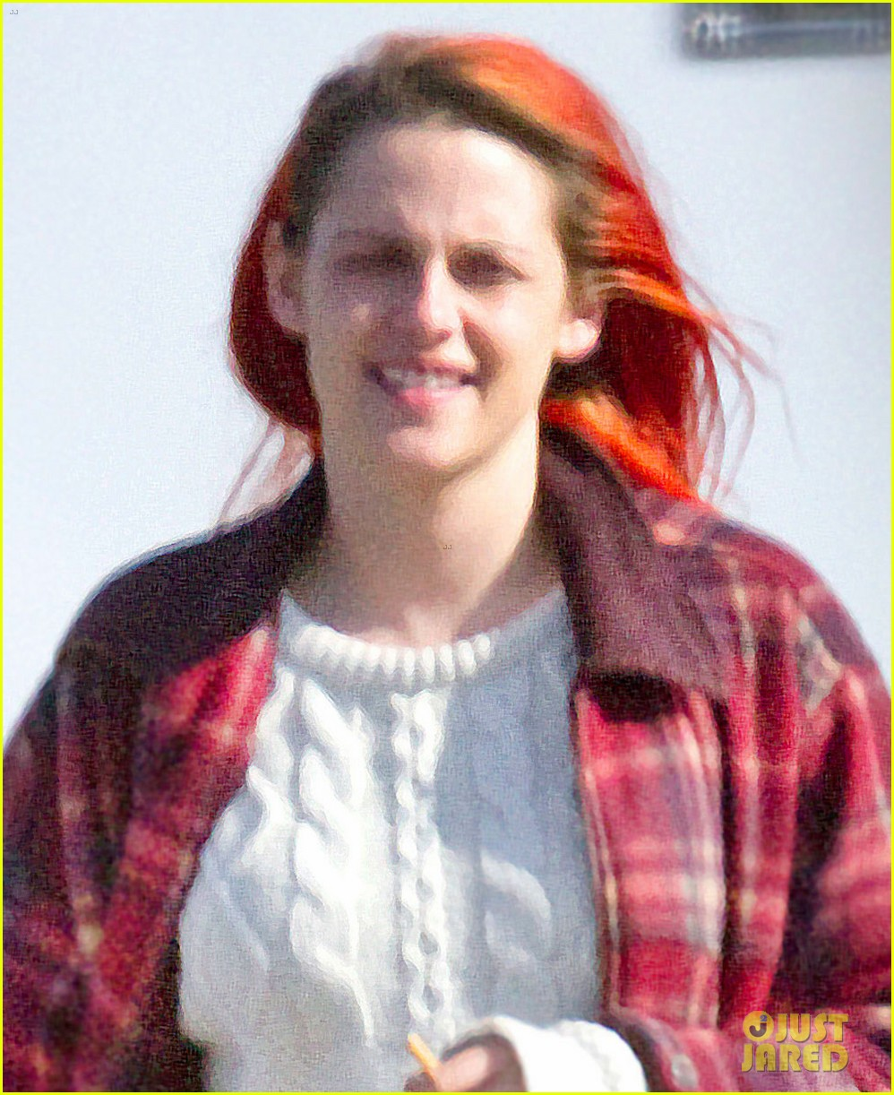 kristen stewart fiery red hair american ultra set 023092840