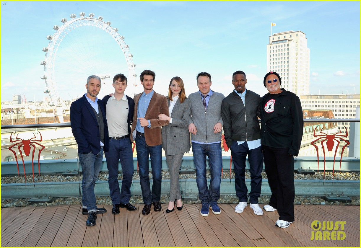 andrew garfield jamie foxx sandwhich emma stone at amazing spider man 2 london photo call 16