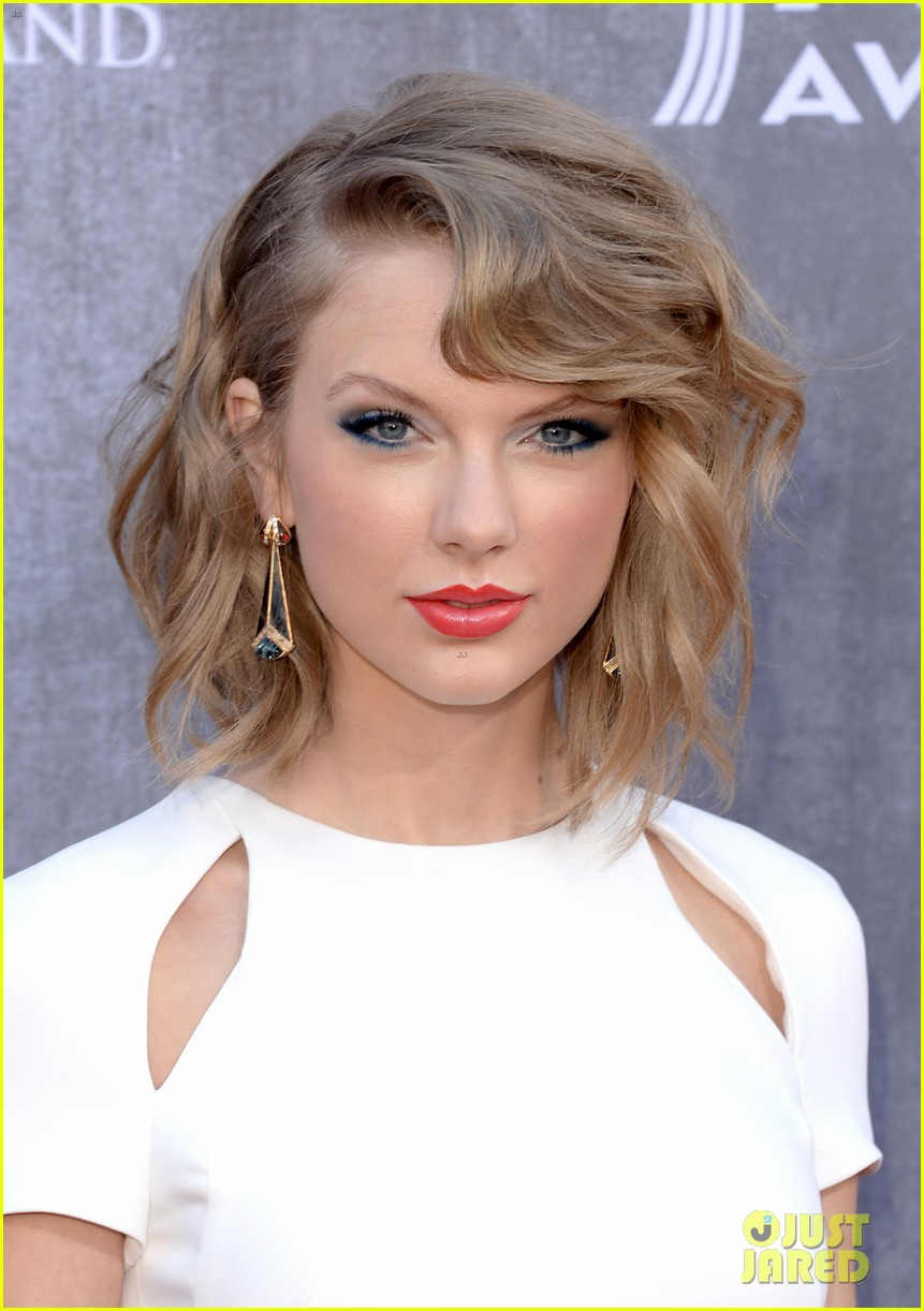 taylor swift acm awards 2014 red carpet 18