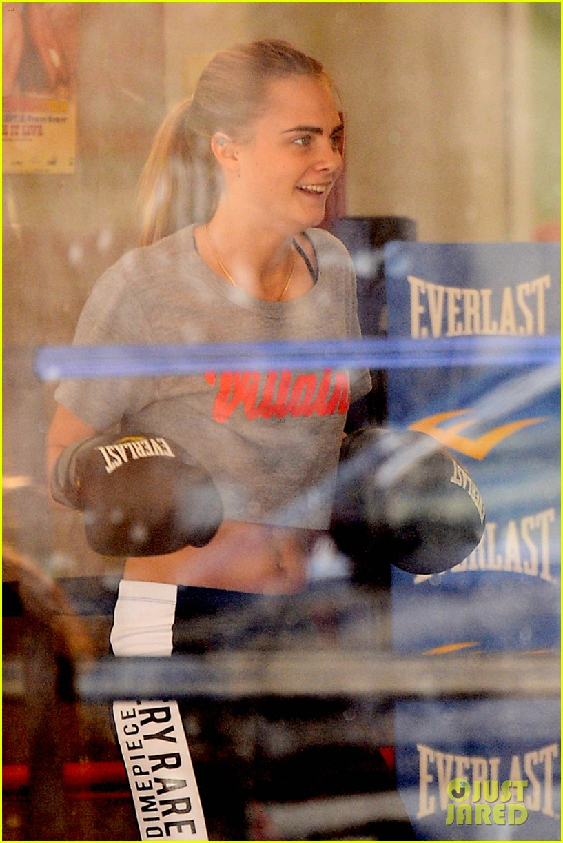 taylor swift model cara delevingne lunch 063087904