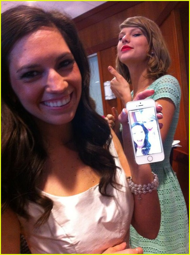 taylor swift proves shes awesome by surprising fan at bridal shower in ohio 01
